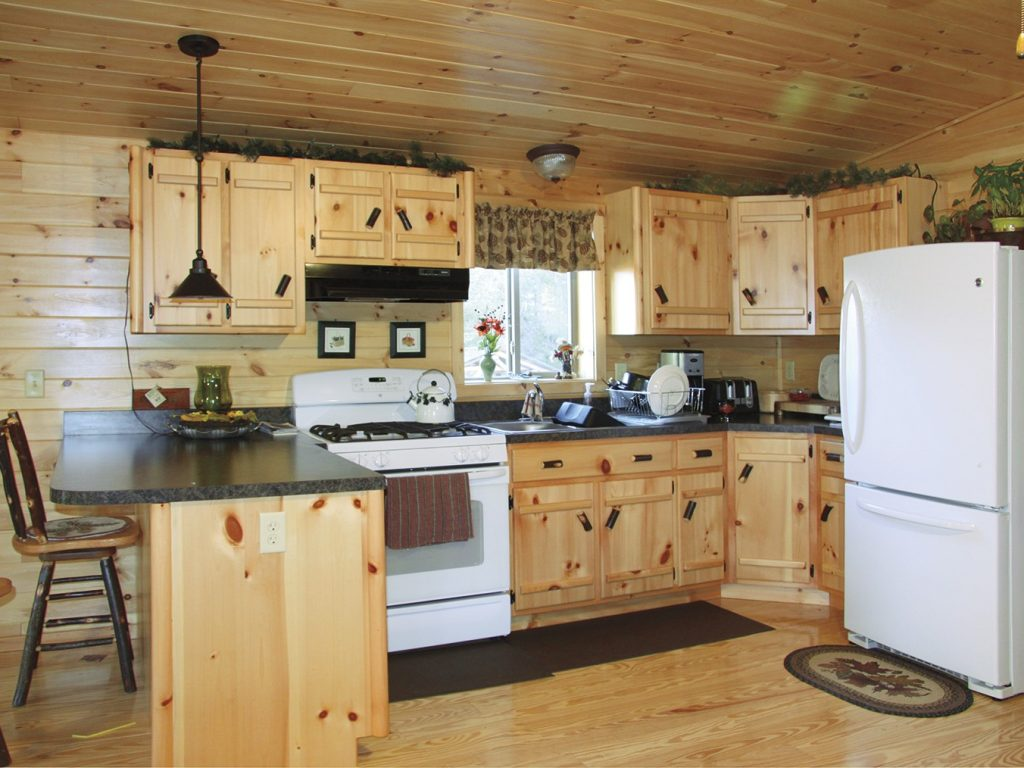 Cozy cabin furniture plymouth nhcozy cabintiny house for House to home plymouth furniture
