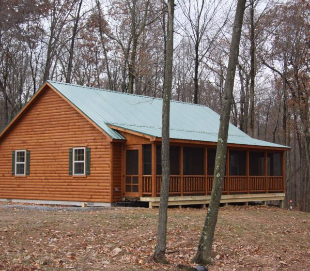 Musketeer Cabin With Screened Porch