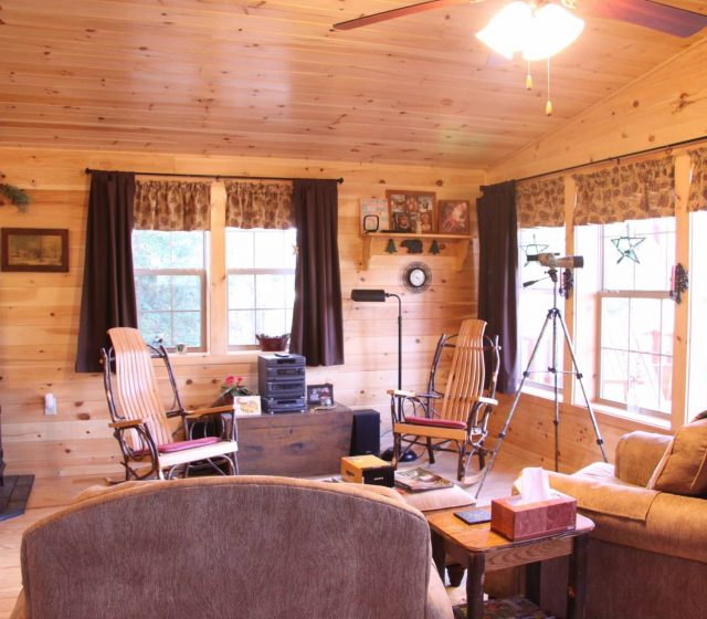 Settler Log Home for Sale