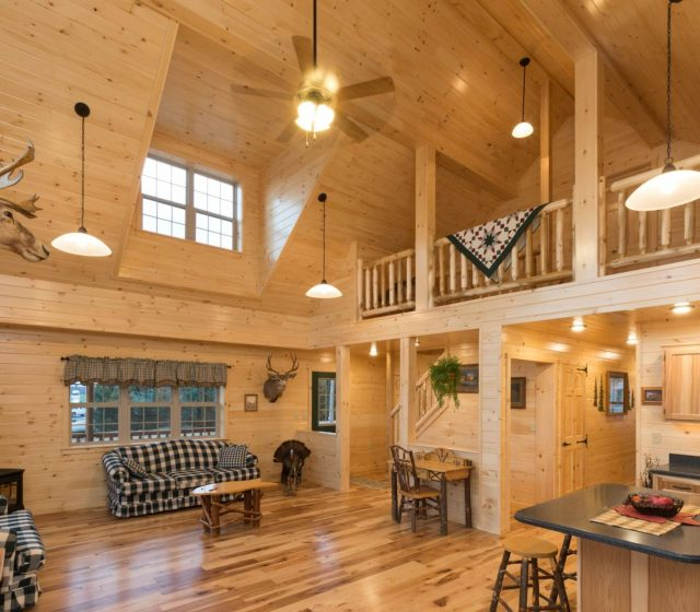 Delightful Cabin With Loft And Full Kitchen