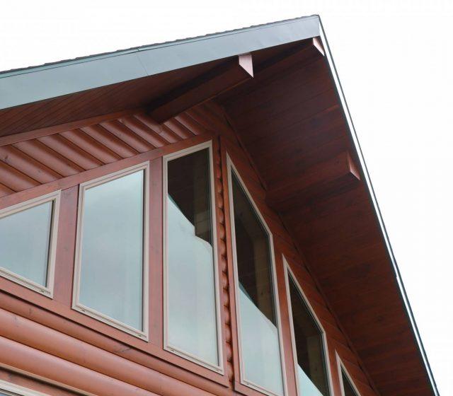 prow roof on log home