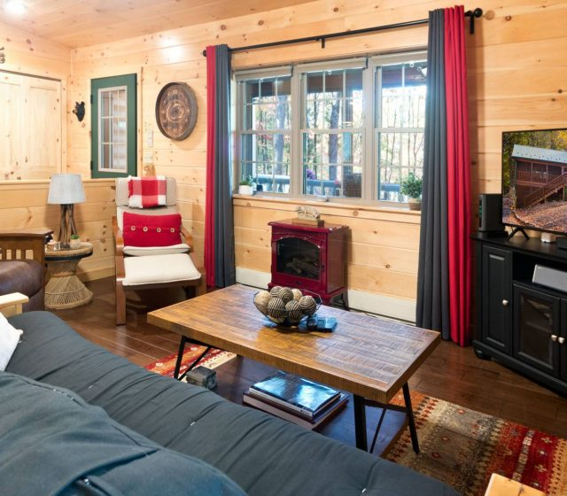cozy family room in modular log cabin