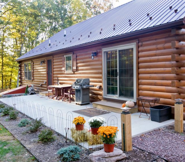 log cabins with patios